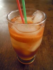 tè freddo all'arancia e cardamomo