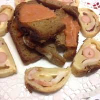 Rotolo con Würstel, Pancetta affumicata e Sottilette