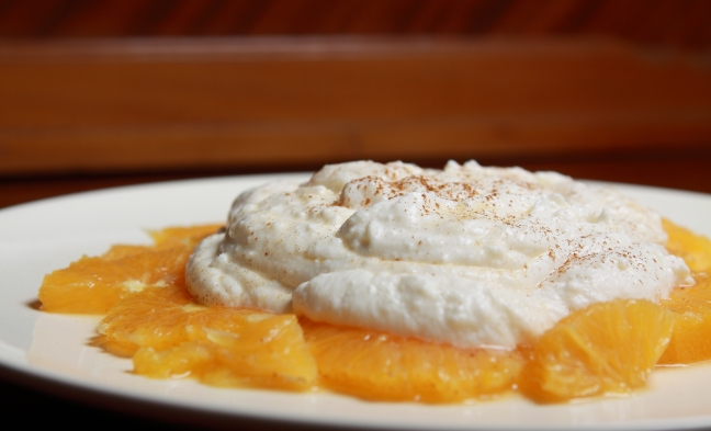 Spuma di ricotta su letto di arance - Foto di Walter Romano