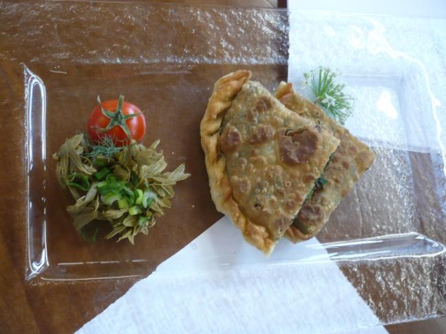 Pita di spinaci e formaggio all'aroma di mirto