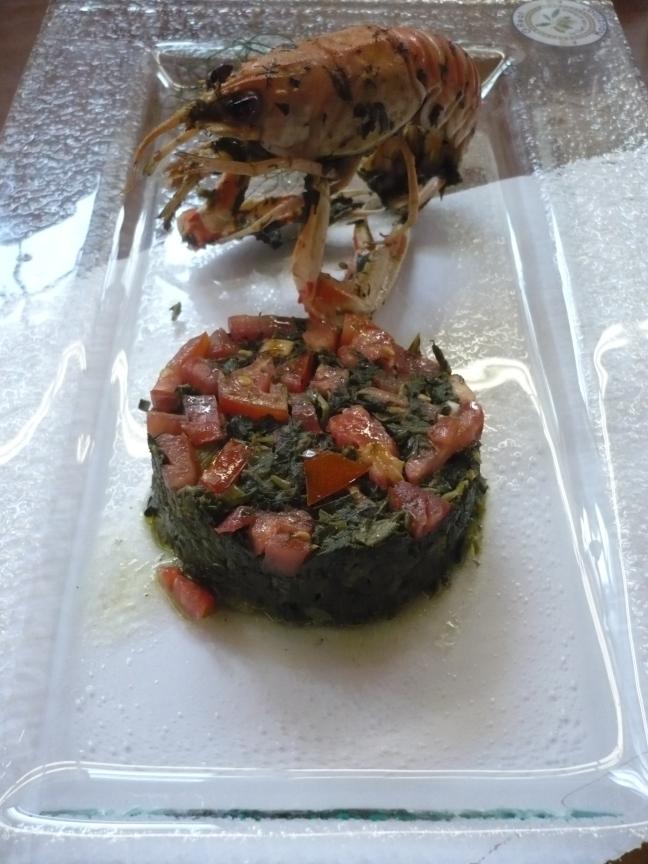 Scampo grigliato con flan di cicoria e pomodori