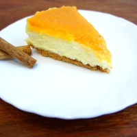 Cheesecake con coulis di pesche