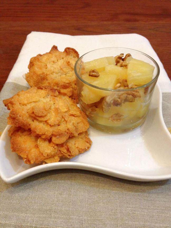 macedonia-di-ananas-con-biscotti-al-mais