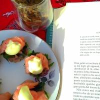 Capitoli 15 - 16 - 17, un bicchiere di Long Jing e tartine salmone e rucola